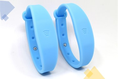 Adjustable wearable payment wristbands