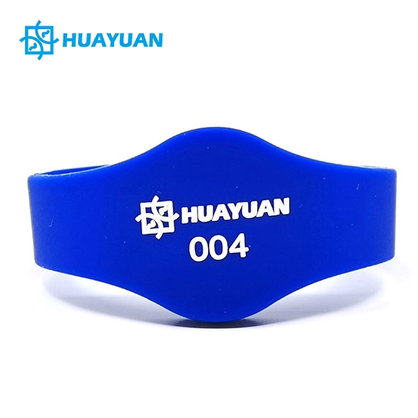 Closed loop RFID hotel wristband